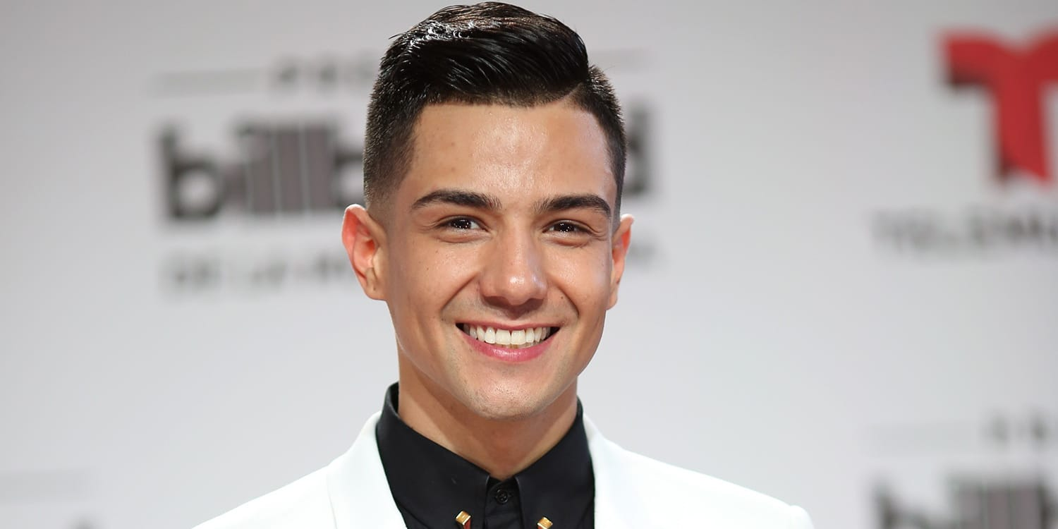 Whos Singer Luis Coronel Wiki Age Height Brother Family Net Worth