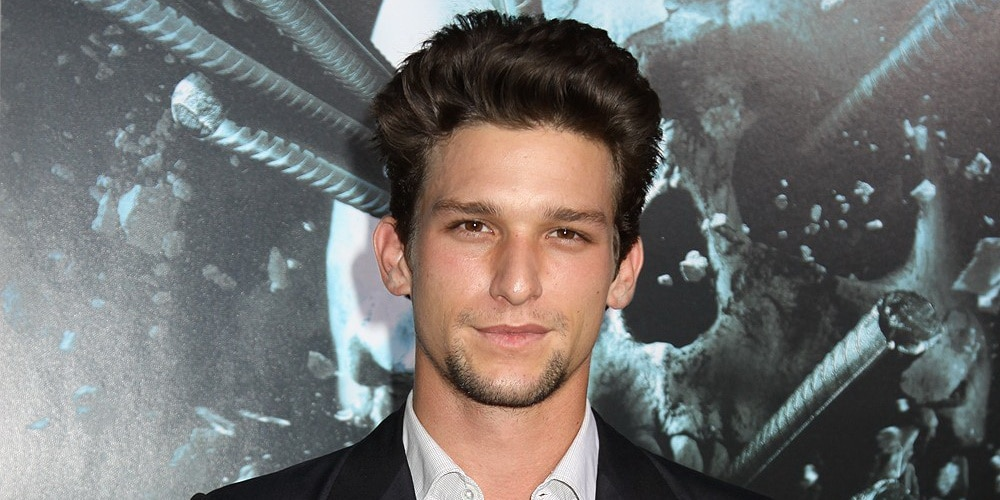 Who Is Daren Kagasoff Bio Married Net Worth Tattoos Sister Single Check out the latest photos, news and gossip. who is daren kagasoff bio married