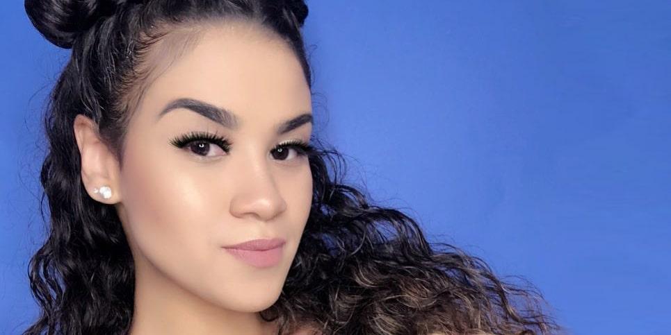 Michaela Mendez Threesome